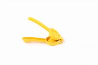Ручной пресс для цитрусовых желтый